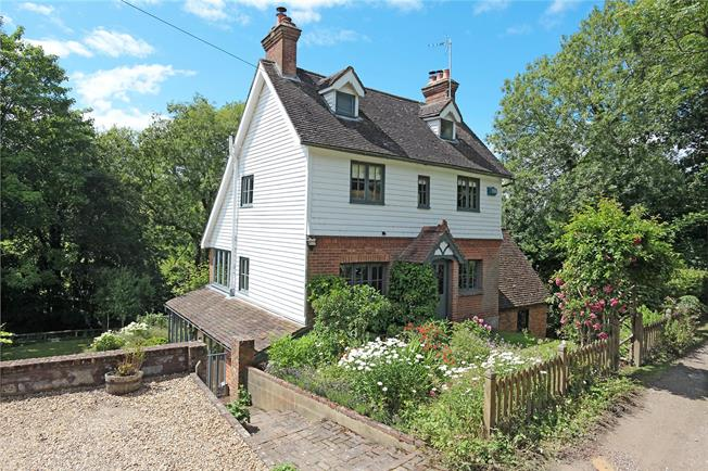 Asking Price £1,095,000, 4 Bedroom Detached House For Sale in East Sussex, TN5