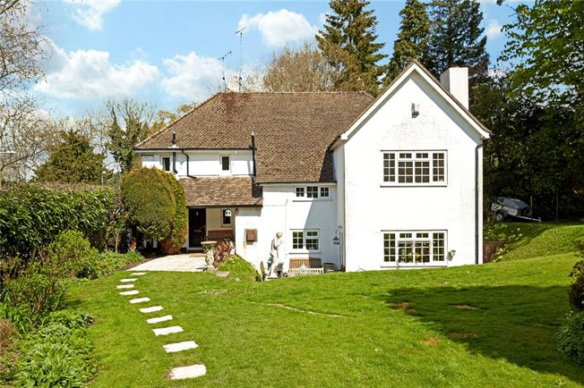 Guide Price £575,000, 5 Bedroom Detached House For Sale in Crowborough, TN6