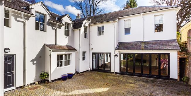 Asking Price £1,385,000, 4 Bedroom Detached House For Sale in Tunbridge Wells, TN2