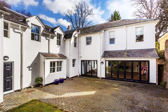 Asking Price £1,385,000, 4 Bedroom Detached House For Sale in Kent, TN2