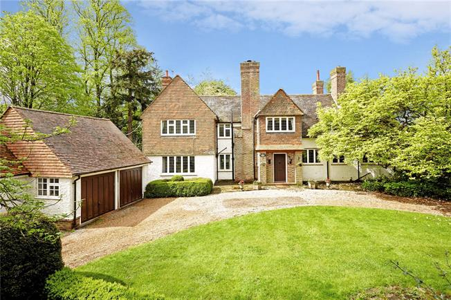 Asking Price £1,495,000, 6 Bedroom Detached House For Sale in Speldhurst, TN3