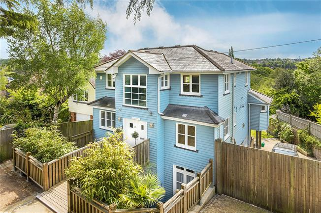 Asking Price £1,325,000, 5 Bedroom Detached House For Sale in Tunbridge Wells, TN2