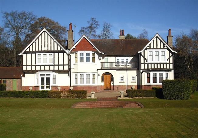 Asking Price £1,795,000, 5 Bedroom Detached House For Sale in Cross in Hand, TN21