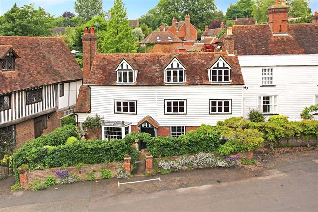 Asking Price £850,000, 4 Bedroom Semi Detached House For Sale in Brenchley, TN12