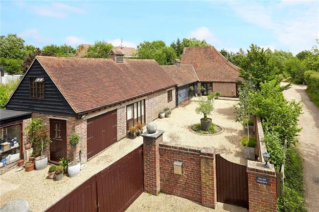 Asking Price £985,000, 4 Bedroom Detached House For Sale in Brenchley, TN12