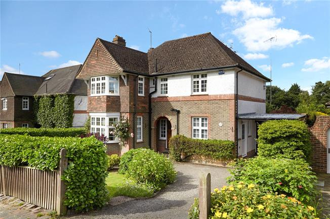 Asking Price £985,000, 4 Bedroom Detached House For Sale in Tunbridge Wells, TN4