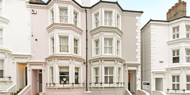 Asking Price £965,000, 4 Bedroom House For Sale in Tunbridge Wells, TN1