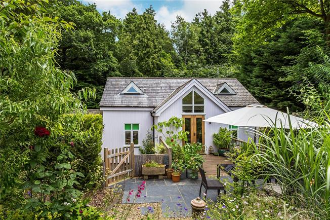 Offers in excess of £600,000, 3 Bedroom Detached House For Sale in Wadhurst, East Sussex, TN5