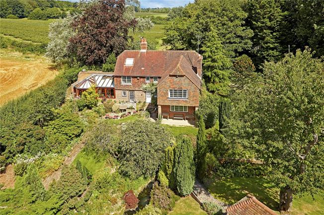 Asking Price £895,000, 4 Bedroom Detached House For Sale in Wadhurst, East Sussex, TN5