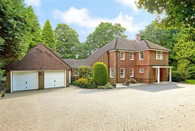 Asking Price £1,150,000, 5 Bedroom Detached House For Sale in Langton Green, TN3