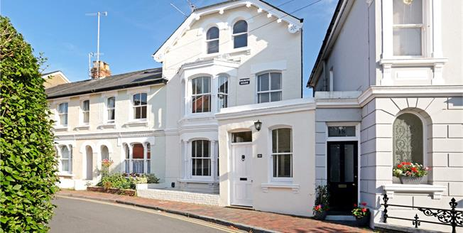 Asking Price £700,000, 4 Bedroom House For Sale in Kent, TN1