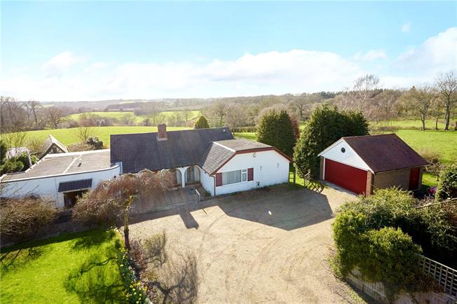 Guide Price £775,000, 4 Bedroom Bungalow For Sale in Wadhurst, TN5