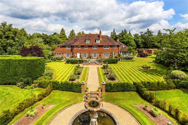 Guide Price £2,350,000, 6 Bedroom Detached House For Sale in East Sussex, TN5