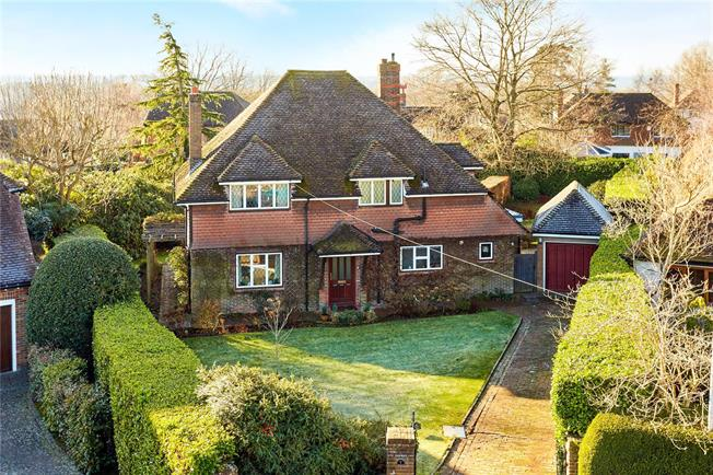 Asking Price £895,000, 4 Bedroom Detached House For Sale in Tunbridge Wells, Kent, TN4