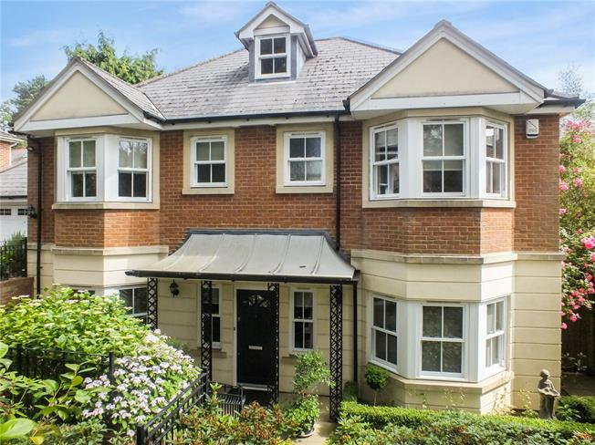 Asking Price £1,175,000, 5 Bedroom Detached House For Sale in Kent, TN4