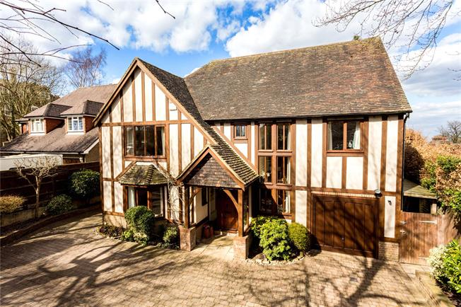 Asking Price £750,000, 5 Bedroom Detached House For Sale in East Sussex, TN6