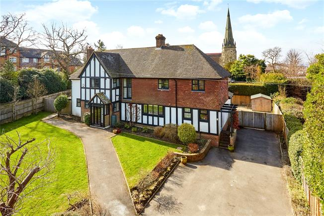 Asking Price £1,400,000, 5 Bedroom Detached House For Sale in Kent, TN2