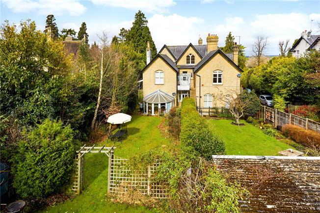 Asking Price £465,000, 3 Bedroom Flat For Sale in Tunbridge Wells, TN2
