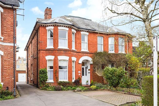 Asking Price £875,000, 6 Bedroom Semi Detached House For Sale in Tunbridge Wells, TN1