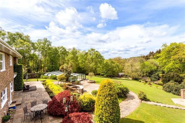 Asking Price £1,250,000, 5 Bedroom Detached House For Sale in Waldron, TN21