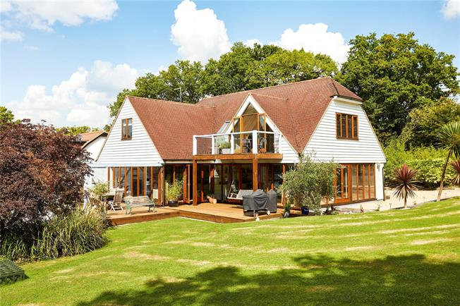 Asking Price £1,250,000, 4 Bedroom Detached House For Sale in Kent, TN8