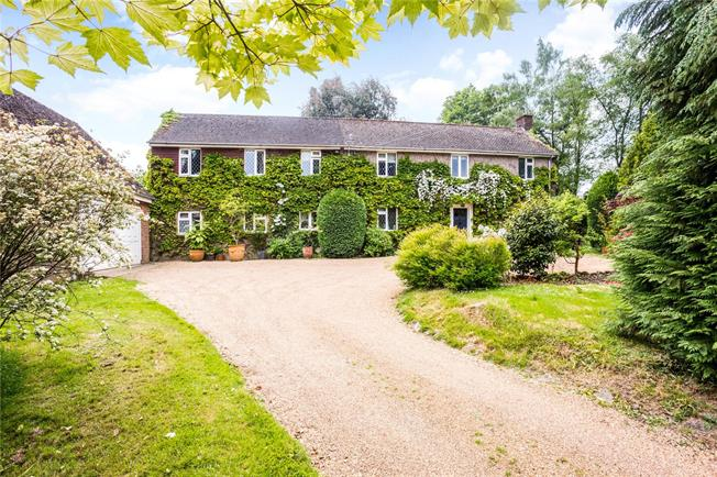 Asking Price £895,000, 5 Bedroom Detached House For Sale in Matfield, TN12