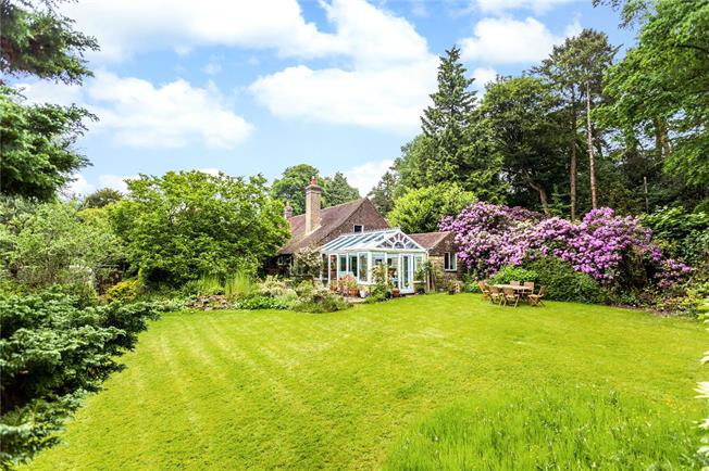 Asking Price £899,950, 4 Bedroom Detached House For Sale in Crowborough, TN6