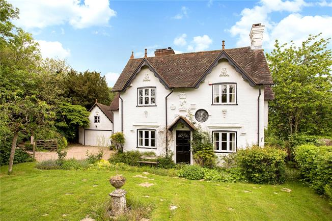 Asking Price £875,000, 5 Bedroom Detached House For Sale in Rotherfield, TN6