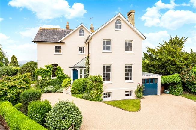 Guide Price £1,500,000, 6 Bedroom Detached House For Sale in Bidborough, TN3