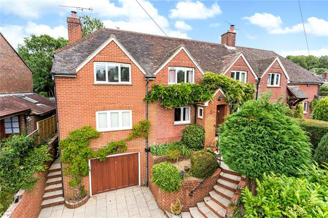 Asking Price £679,950, 4 Bedroom Semi Detached House For Sale in Rotherfield, East Sussex, TN6