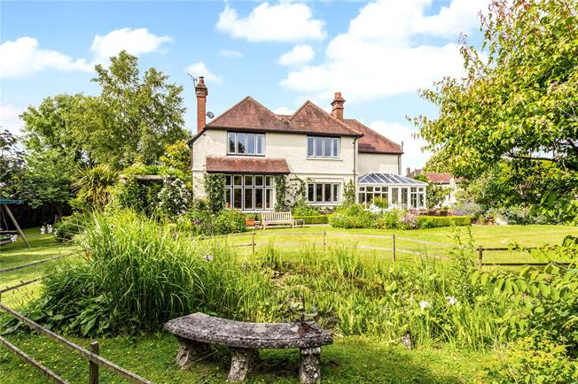 Asking Price £1,250,000, 5 Bedroom Detached House For Sale in Wadhurst, TN5