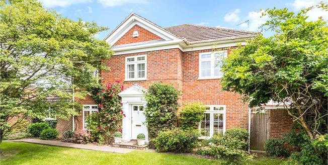 Asking Price £875,000, 4 Bedroom Detached House For Sale in Tunbridge Wells, Kent, TN3