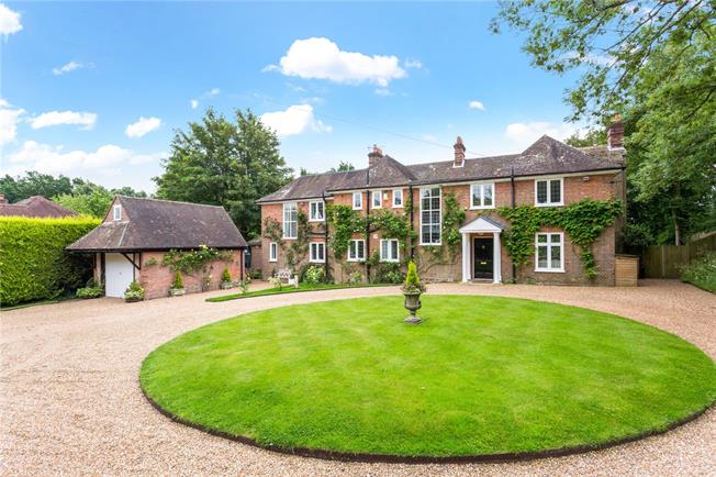 Asking Price £1,350,000, 5 Bedroom Detached House For Sale in Burwash, TN19