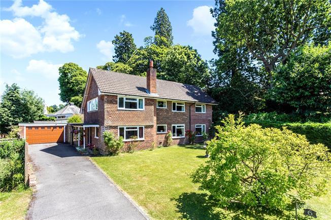 Asking Price £845,000, 5 Bedroom Detached House For Sale in Tunbridge Wells, TN2