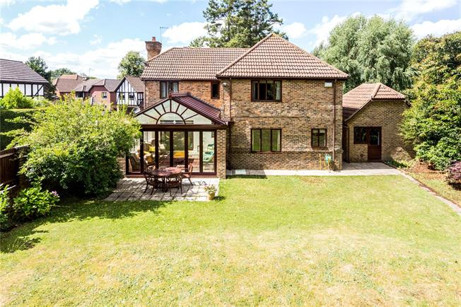 Asking Price £840,000, 5 Bedroom Detached House For Sale in Tunbridge Wells, TN2
