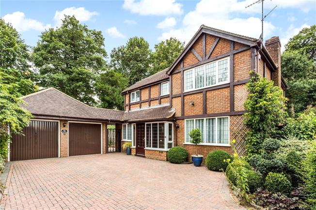 Asking Price £785,000, 4 Bedroom Detached House For Sale in Langton Green, TN3