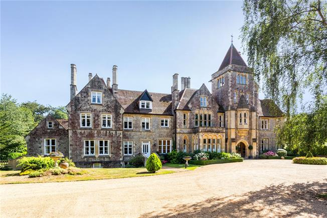 Asking Price £385,000, 2 Bedroom Flat For Sale in Bidborough, TN3