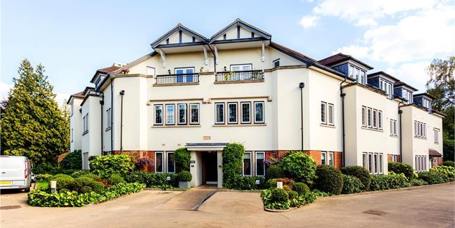 Asking Price £450,000, 2 Bedroom Flat For Sale in Tunbridge Wells, TN2
