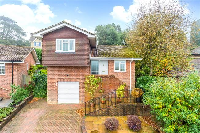 Asking Price £549,950, 2 Bedroom Detached House For Sale in Kent, TN2