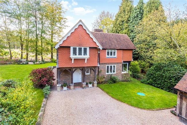 Guide Price £895,000, 4 Bedroom Detached House For Sale in Crowborough, TN6