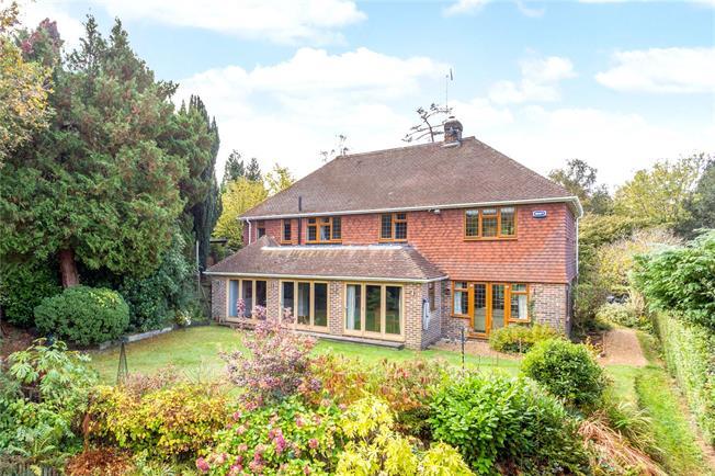 Asking Price £1,145,000, 4 Bedroom Detached House For Sale in Tunbridge Wells, TN4