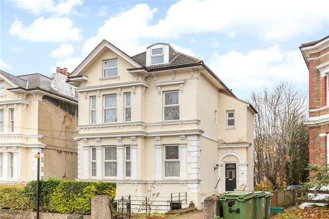 Guide Price £900,000, 7 Bedroom Detached House For Sale in Tunbridge Wells, TN1