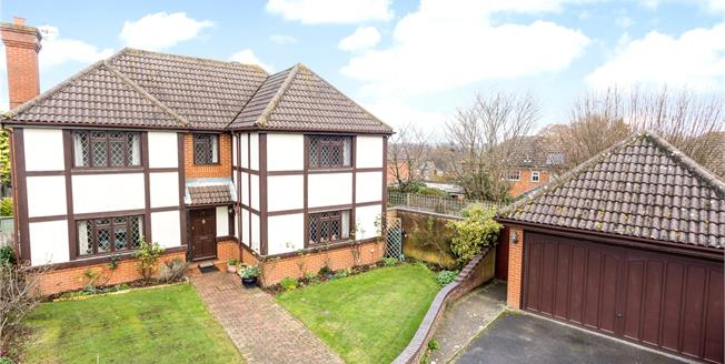 Asking Price £800,000, 4 Bedroom Detached House For Sale in Langton Green, TN3