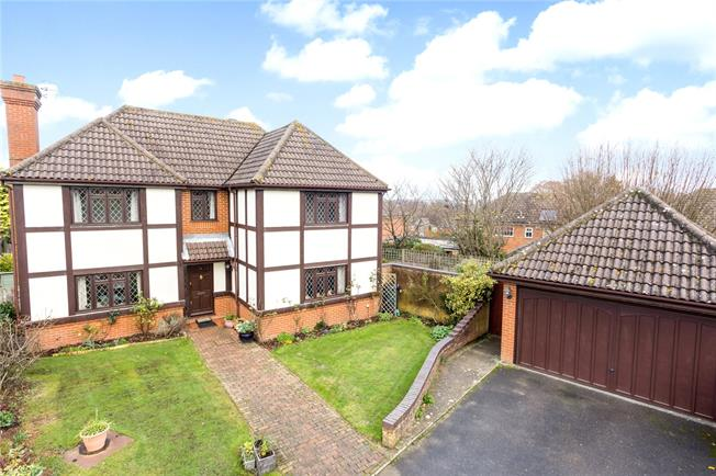Asking Price £780,000, 4 Bedroom Detached House For Sale in Tunbridge Wells, Kent, TN3