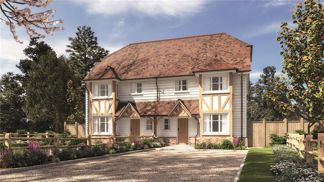 Asking Price £725,000, 3 Bedroom Semi Detached House For Sale in Wadhurst, East Sussex, TN5