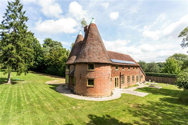 Asking Price £1,200,000, 4 Bedroom Detached House For Sale in Kent, TN17