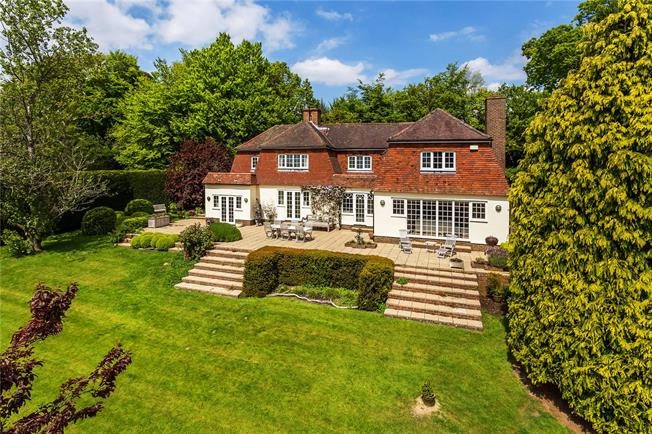 Guide Price £1,295,000, 5 Bedroom Detached House For Sale in Frant, TN3