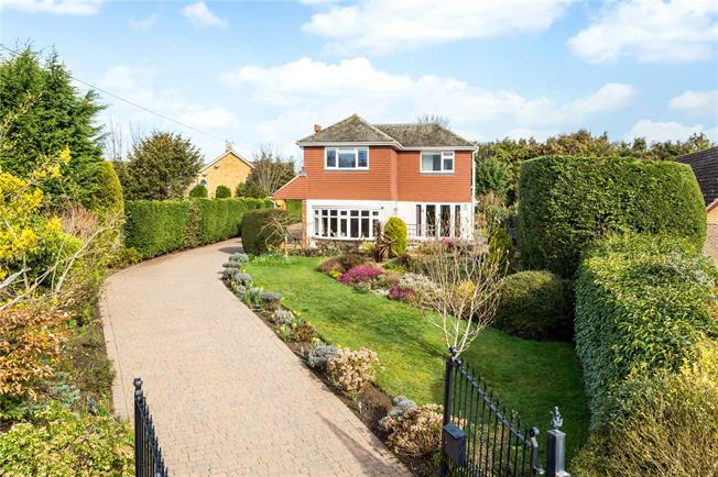 Offers in the region of £1,150,000, 4 Bedroom Detached House For Sale in Tunbridge Wells, Kent, TN3