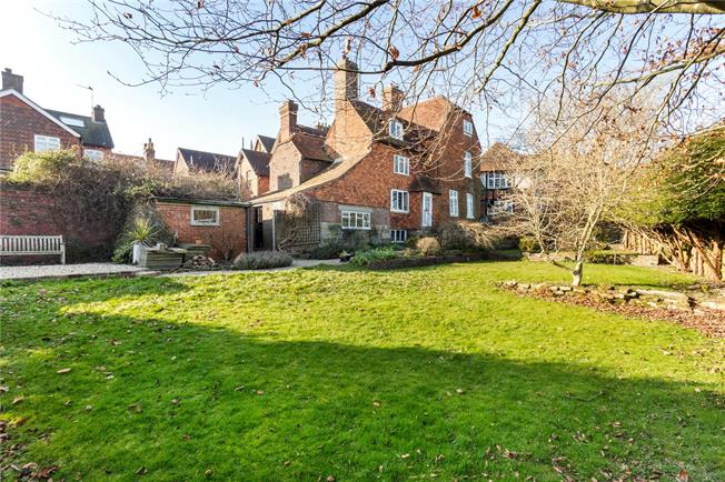Asking Price £845,000, 5 Bedroom Detached House For Sale in East Sussex, TN6