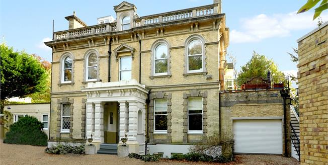 Asking Price £1,225,000, 5 Bedroom Flat For Sale in Kent, TN4